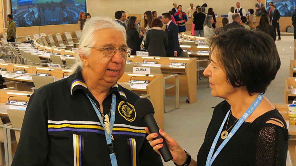 Rosalba Nattero con Kenneth Deer, rappresentante della Nazione Mohawk Kahnawake del Canada