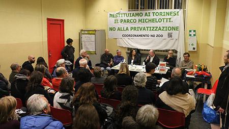 L'assemblea pubblica che si è svolta il 19 dicembre per spiegare ai cittadini le ragioni della protesta