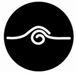 Il simbolo distintivo della Scuola di Kemò-vad Sole Nero che riproduce il gesto del No-tah
