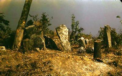 Sito megalitico che rappresenta il luogo sacro (letteralmente la casa di Dio) che accoglie gli spiriti degli antenati o di una divinità