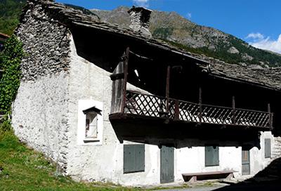Best esempio di edificio con sede unica per abitazione e for Esempi di case arredate