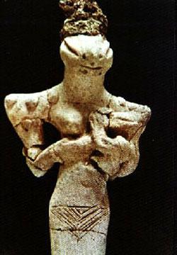 Una ''madonna con bimbo'' del 7000 a.C. dalle sembianze sauroidi rinvenuta insieme ad altre statuette similari nel sito di Al Ubaid, in Iraq, nell'antica Mesopotamia della grande civiltà Sumera