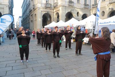 Flash mob di Kemò-vad in centro città a Torino