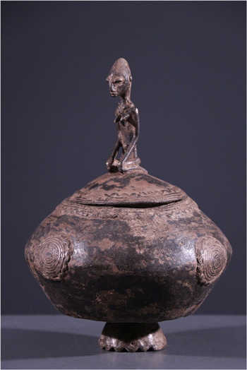 Statut des calebasses brillantes qui volaient dans les quelles sont venu les petits génies