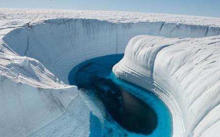 Un canyon di ghiaccio della Groenlandia