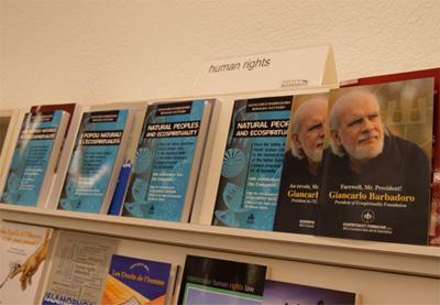 """Il libro di Barbadoro-Nattero """"I Popoli Naturali e l'Ecospiritualità"""" al bookshop dell'ONU insieme alla brochure dedicata al Presidente scomparso"""