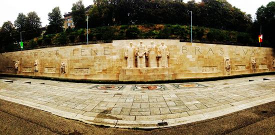 Post Tenebras Lux, l'antico motto druidico, sul Muro della Riforma a Ginevra