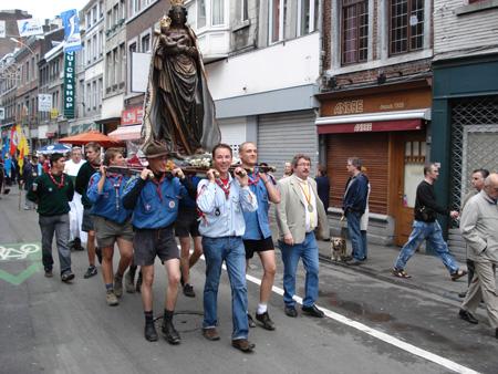 Processione dedicata alla Madonna Nera di Outremeuse (Liegi)