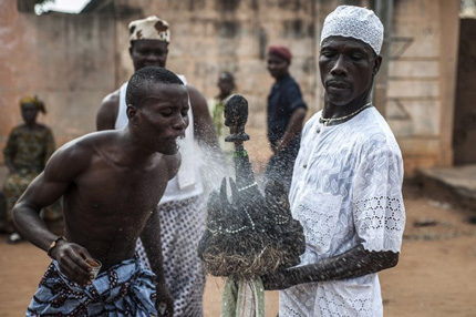 Rituale di una cerimonia Voodoo in Benin