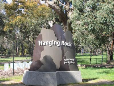 Il luogo, divenuto famoso per il film di Peter Weir, è ormai una meta turistica per l'Australia