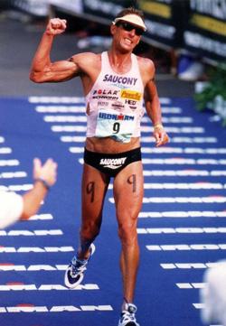 Dave Scott,  vegano, è considerato il più grande triatleta del mondo