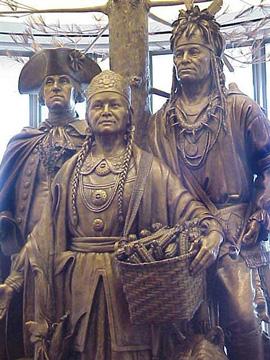 Una statua di Polly Cooper e Shenandoah degli Oneida insieme a George Washington. Gli Irochesi ebbero un ruolo fondamentale nella nascita degli Stati Uniti d'America